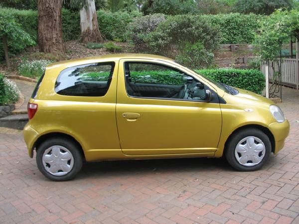 used toyota echo ncp10r hatch for sale in emerald melbourne vic buy small cars for sale. Black Bedroom Furniture Sets. Home Design Ideas